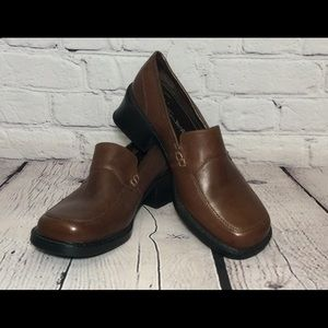 Thom McAn Women's Leather Loafer Size 7.5W Brown